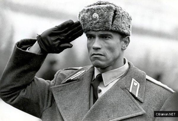 Шварц когда-то служил в советской милиции